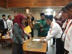 Pelantikan 90 anggota PPK di 18 kecamatan se Kutai Timur kutim post