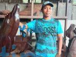 Pengrajin Ukiran Dari Kayu Ulin Minta Dukungan Pemerintah Kutim