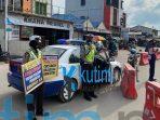 Sat Lantas Polres Kutim Berikan Himbauan Terkait Prokes Di Pasar Ramadan