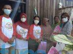 Hari Anak, IBI Kutim Berikan Sembako Untuk Ibu Sulistiowati Janda 25 Anak Angkat